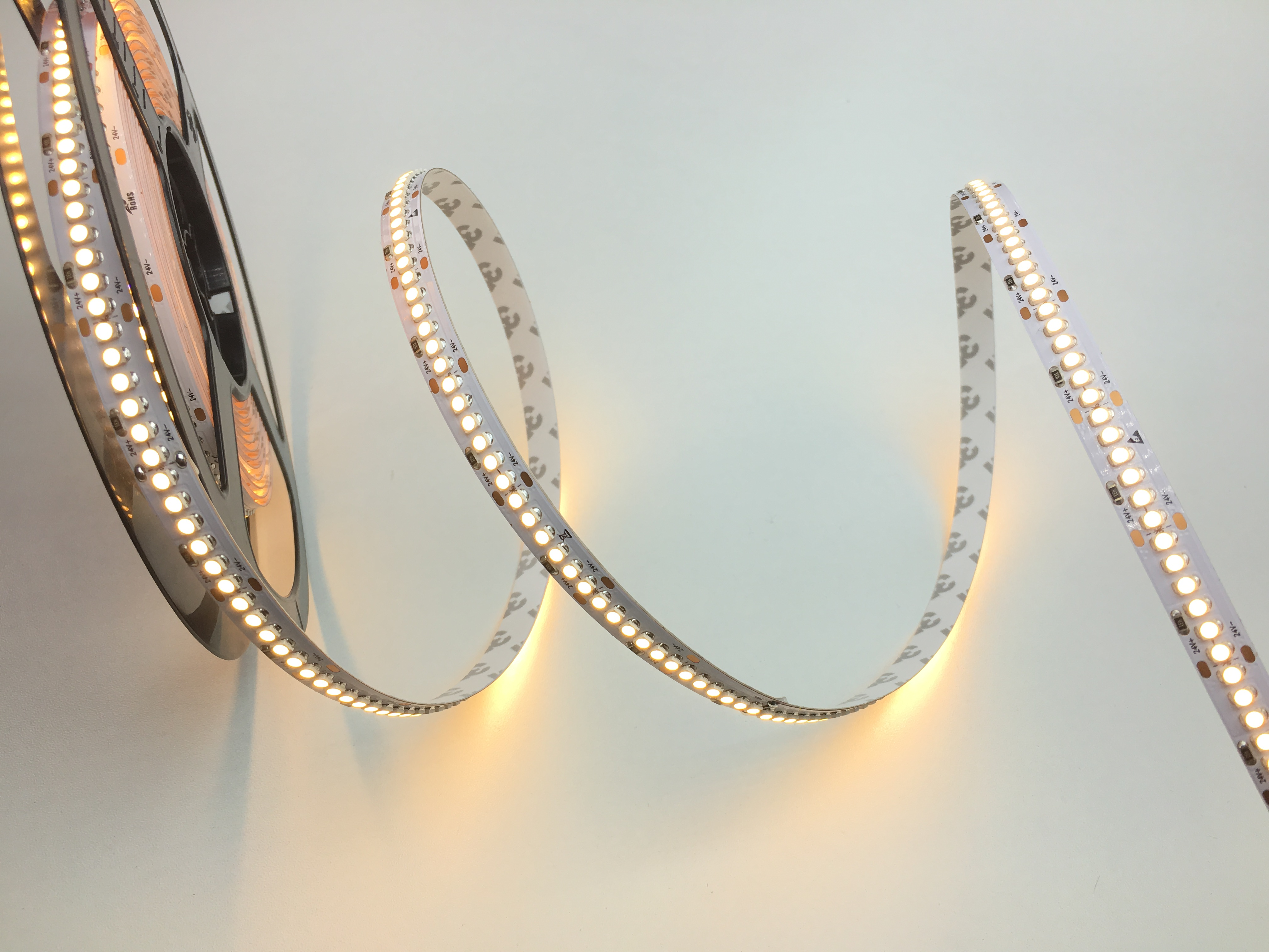 LED STRIPS 19,2W/M 2700K 24V